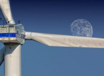 Znaczenie i miejsce turbin wiatrowych o pionowej osi obrotu w prosumenckim systemie produkcji energii elektrycznej